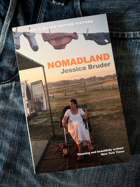 貧困を美化する風潮にクギを刺す衝撃のノンフィクション Nomadland (Jessica Bruder)_e0414617_18042558.jpeg