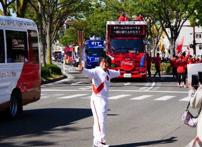 聖火が走る和歌山市けやき大通り  2021-04-11 00:00_b0093754_17001150.jpg