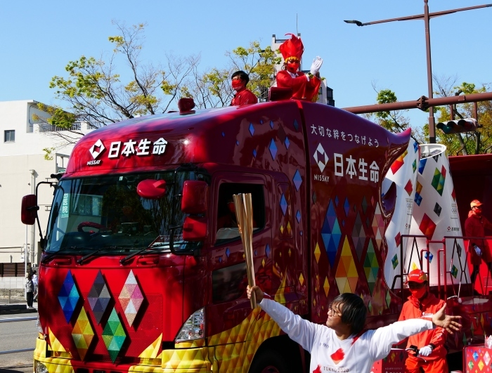 聖火が走る和歌山市けやき大通り  2021-04-11 00:00_b0093754_17031783.jpg