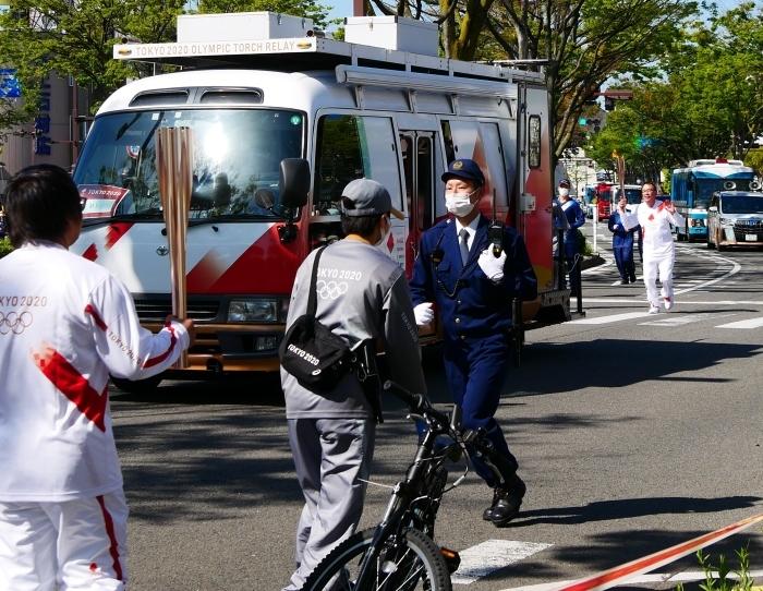 聖火が走る和歌山市けやき大通り  2021-04-11 00:00_b0093754_17034436.jpg
