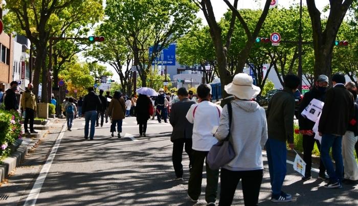 聖火が走る和歌山市けやき大通り  2021-04-11 00:00_b0093754_17042077.jpg