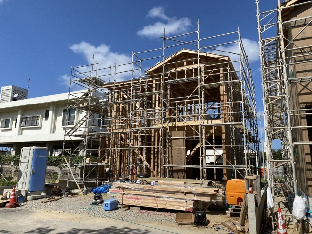 4月建て方完了_c0394067_18181550.jpg