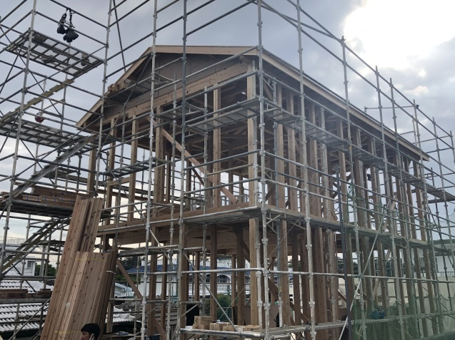 4月建て方完了_c0394067_18182780.jpg