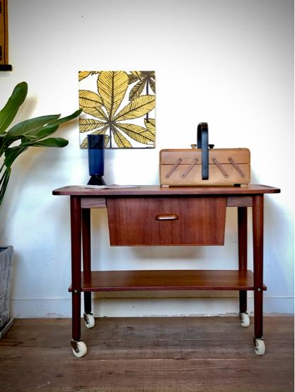 Sewing table_c0139773_15160602.jpg