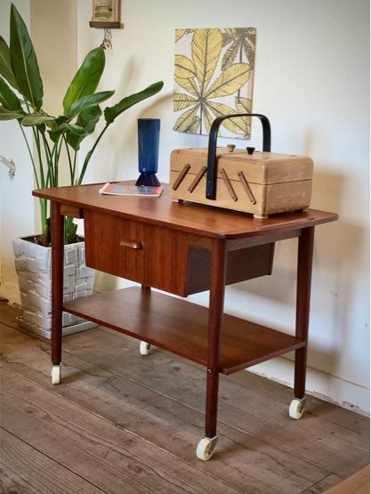 Sewing table_c0139773_15160788.jpg