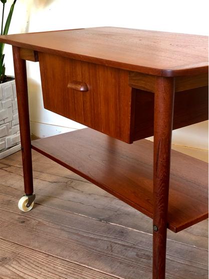 Sewing table_c0139773_15160794.jpg