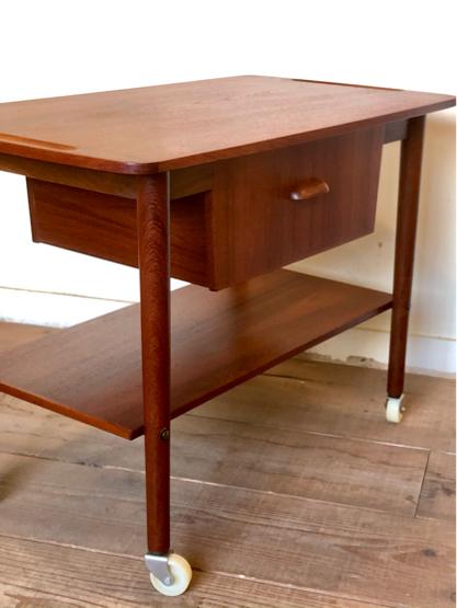 Sewing table_c0139773_15160841.jpg