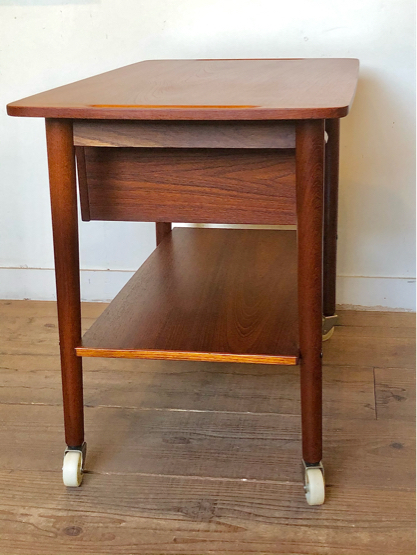 Sewing table_c0139773_15160936.jpg