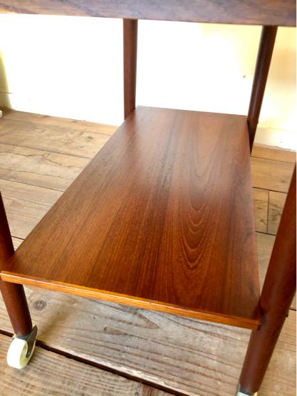 Sewing table_c0139773_15165877.jpg