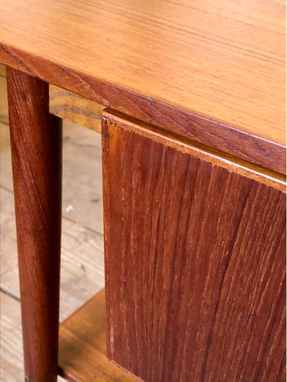 Sewing table_c0139773_15175651.jpg