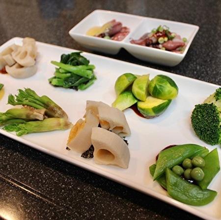春野菜のジョンとナムル&辛くてうまいヤンニョムチキン_a0223786_15485462.jpg