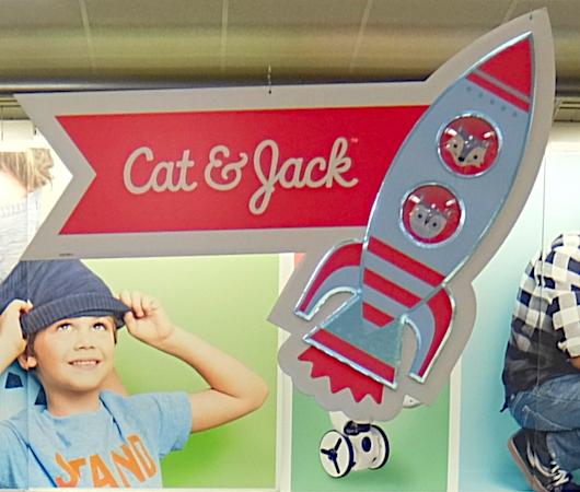 コロナ禍の2020年に20億ドル売り上げた「キャット・アンド・ジャック」(Cat & Jack)の最近の店内_b0007805_05093303.jpg
