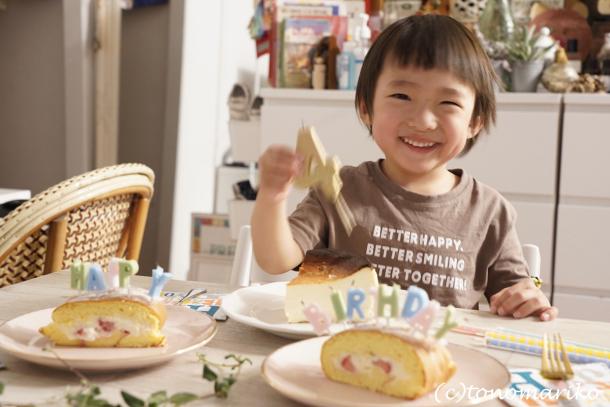 プチモンスター4歳の誕生日_c0024345_04502067.jpg