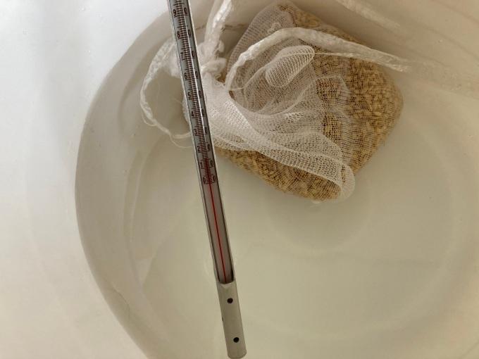 イセヒカリの種籾処理(塩水選、温湯処理)_c0187051_09171690.jpg