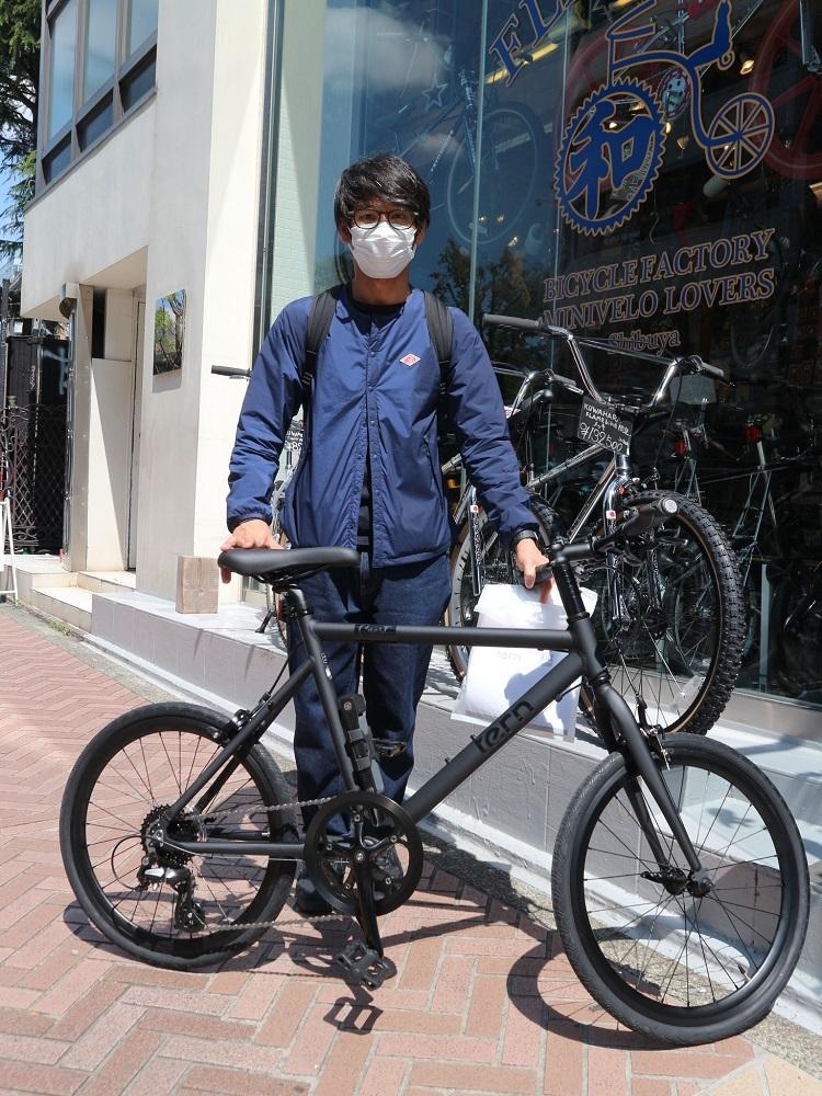 4月11日 渋谷 原宿 の自転車屋 FLAME bike前です_e0188759_15570797.jpg