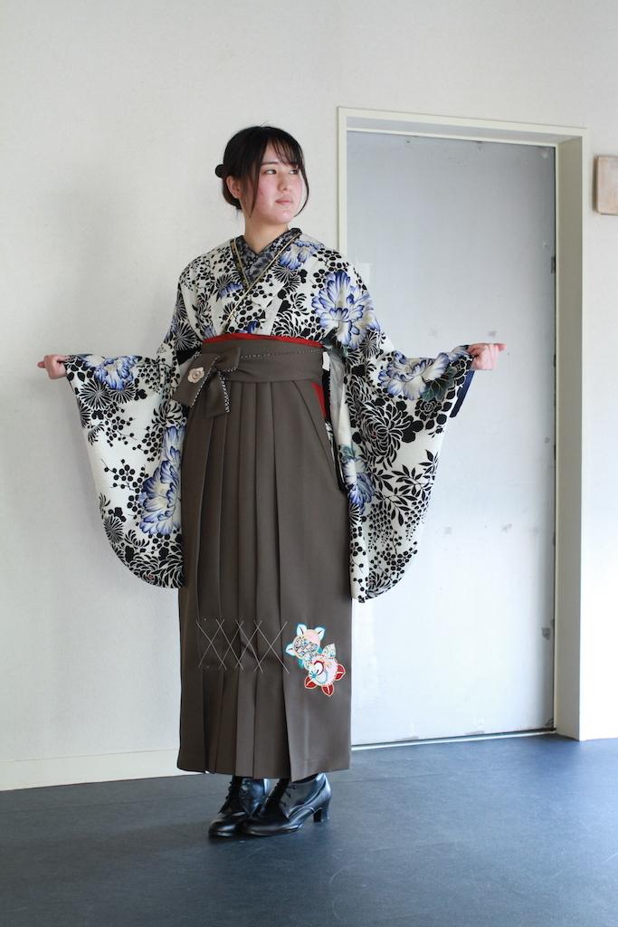Tちゃんの二尺袖Kimono &卒業Hakama【試着画像】_d0335577_08275280.jpg