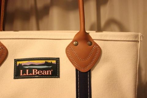 """「L.L.Bean」 今も昔も変わらず作り続ける \""""レザーハンドルトート\"""" ご紹介_f0191324_08482285.jpg"""