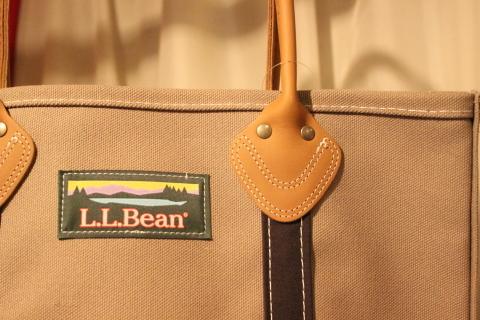 """「L.L.Bean」 今も昔も変わらず作り続ける \""""レザーハンドルトート\"""" ご紹介_f0191324_08490879.jpg"""