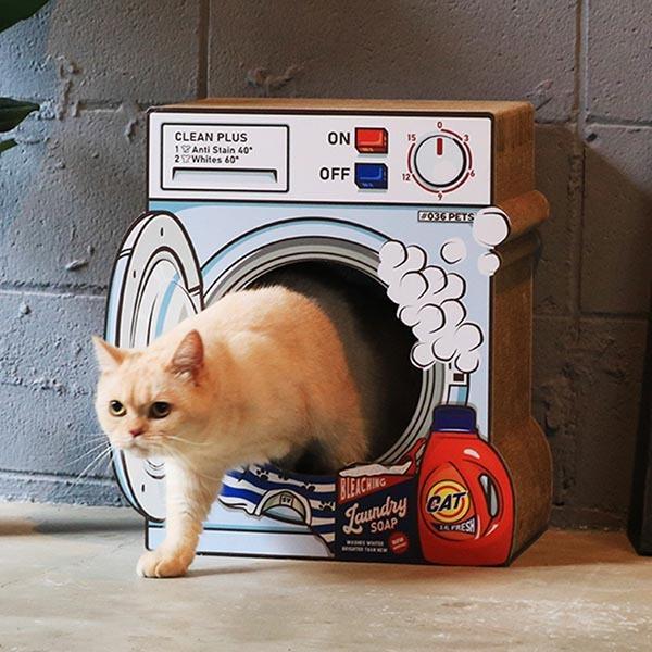 2月13日 & トイレの回数 & awesome storeの猫の爪とぎ_b0162726_08142528.jpg
