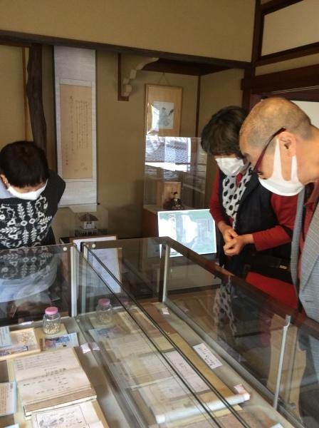 河合曽良の育った「大智院」から、御住職が「芭蕉の館」を訪れました。_f0289632_20194939.jpg
