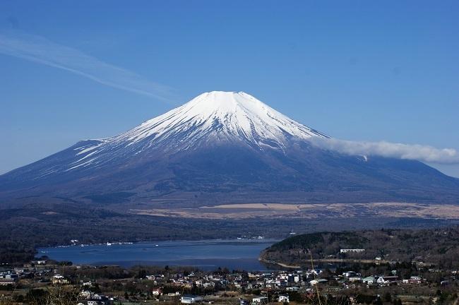 富士周辺も春がやってきました!桜が咲き始めました。【山中湖の富士山】_d0153860_16445283.jpg