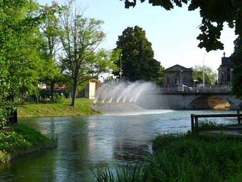 並んだ噴水 (Fontane)_d0006400_00270038.jpg