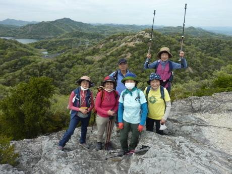 日本一低いアルプスに挑む『小野アルプス縦走』_c0218841_10240762.jpg
