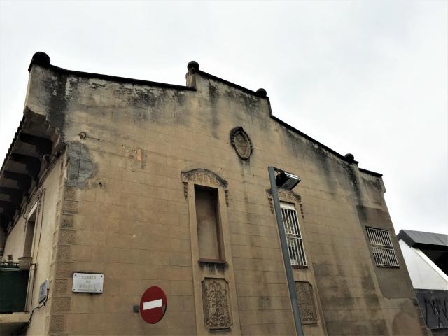 Les Corts の古い一角_b0064411_06144759.jpg