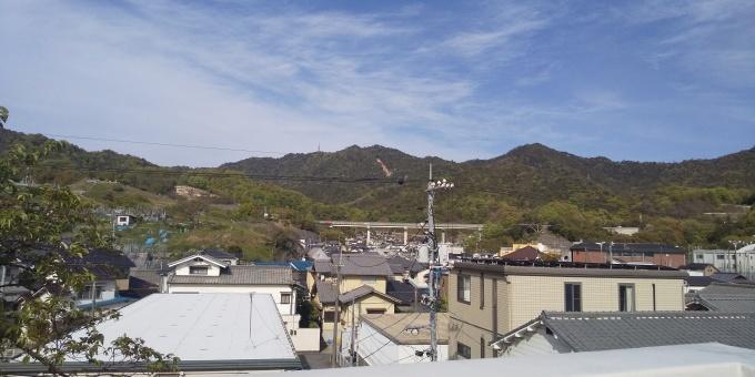 さとうしゅういちは、西日本大水害被災地の吉浦→天応→小屋浦で街頭演説。_e0094315_22211015.jpg