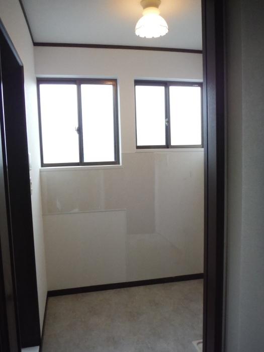 室内リフォーム ~ 洗面所内装工事。_d0165368_04290336.jpg