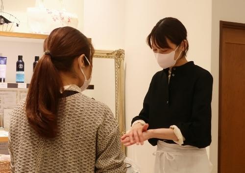 Neut SOAP の作者 荘子さんがご来店くださいました。_c0227633_21331922.jpg