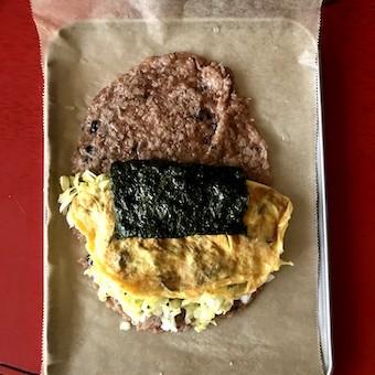 酵素玄米ラップのaciao米でキャベツ卵サンド_c0031486_14444630.jpg