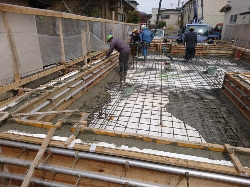 Q1住宅L2T3秋田高揚青柳:コンクリート一体打設_e0054299_02365518.jpg