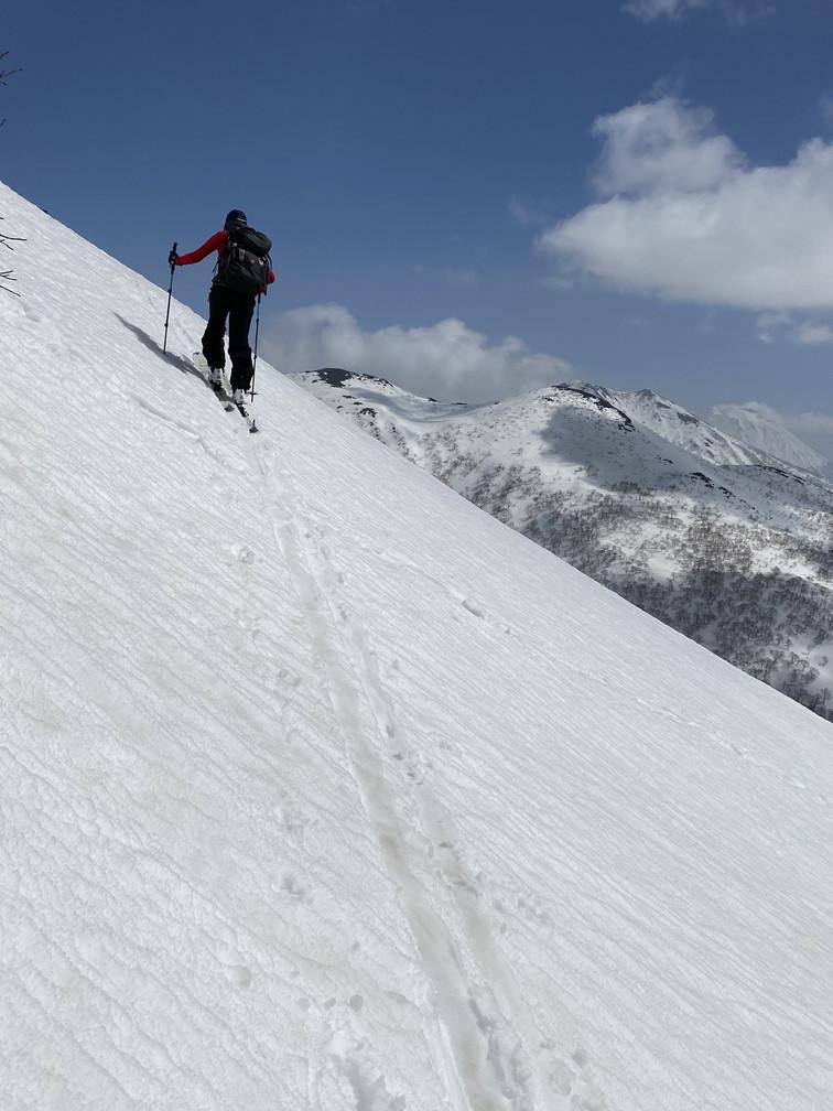 """2021年3月 『山スキーの大雪旭岳、ニセコ、羊蹄山』  March 2021 \""""Ski in Mt Taisetsu, Mt Niseko & Mt Yotei\""""_c0219616_17433121.jpg"""