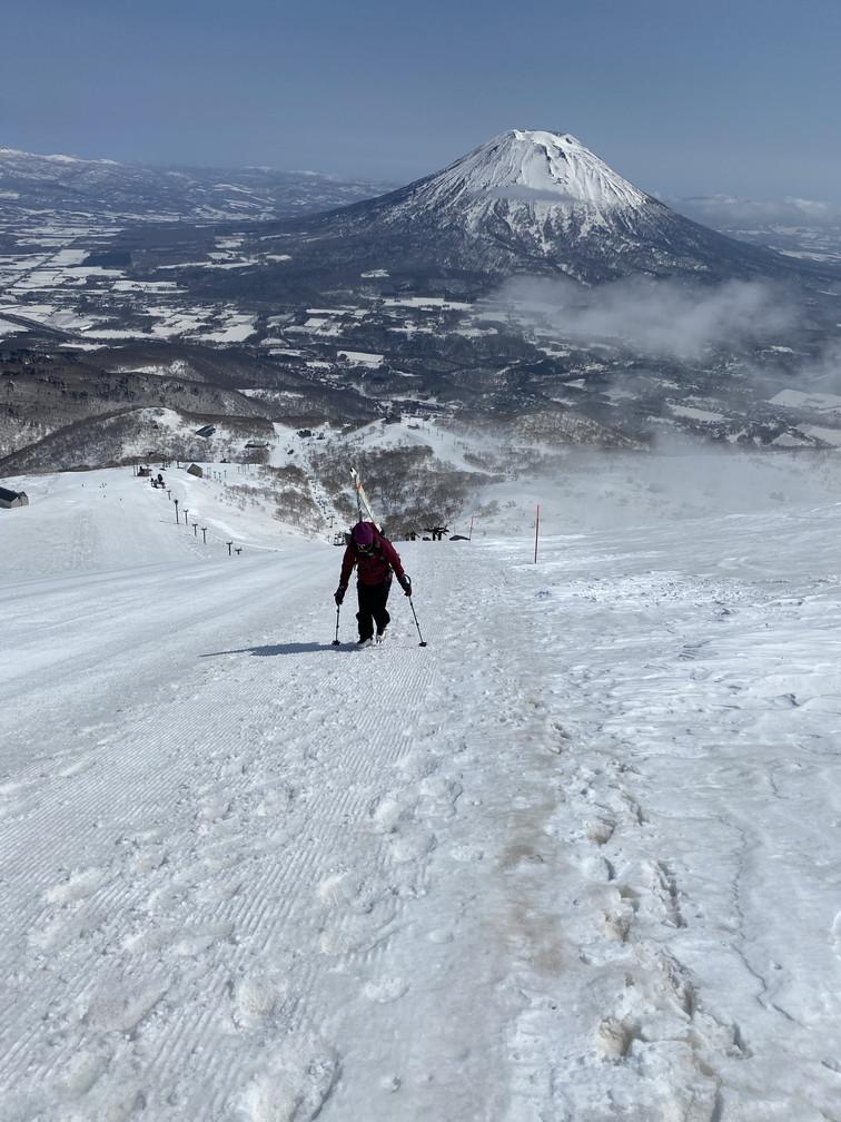 """2021年3月 『山スキーの大雪旭岳、ニセコ、羊蹄山』  March 2021 \""""Ski in Mt Taisetsu, Mt Niseko & Mt Yotei\""""_c0219616_17551012.jpg"""