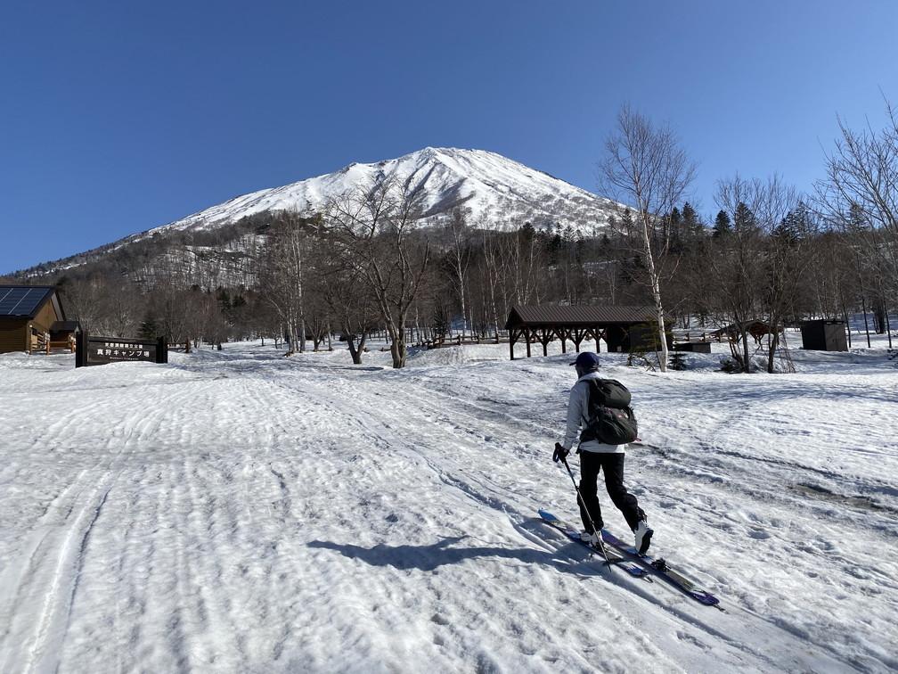 """2021年3月 『山スキーの大雪旭岳、ニセコ、羊蹄山』  March 2021 \""""Ski in Mt Taisetsu, Mt Niseko & Mt Yotei\""""_c0219616_17565304.jpg"""