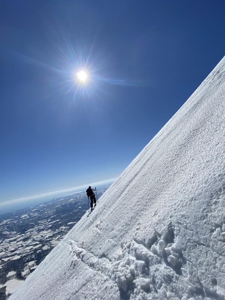 """2021年3月 『山スキーの大雪旭岳、ニセコ、羊蹄山』  March 2021 \""""Ski in Mt Taisetsu, Mt Niseko & Mt Yotei\""""_c0219616_17565424.jpg"""