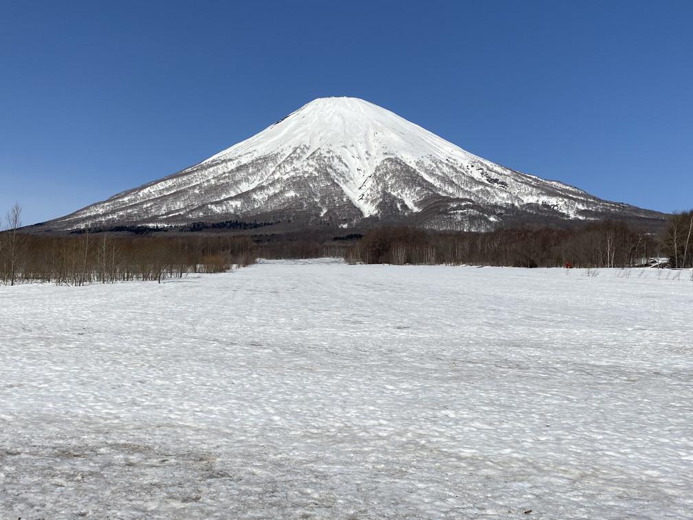 """2021年3月 『山スキーの大雪旭岳、ニセコ、羊蹄山』  March 2021 \""""Ski in Mt Taisetsu, Mt Niseko & Mt Yotei\""""_c0219616_18080948.jpg"""