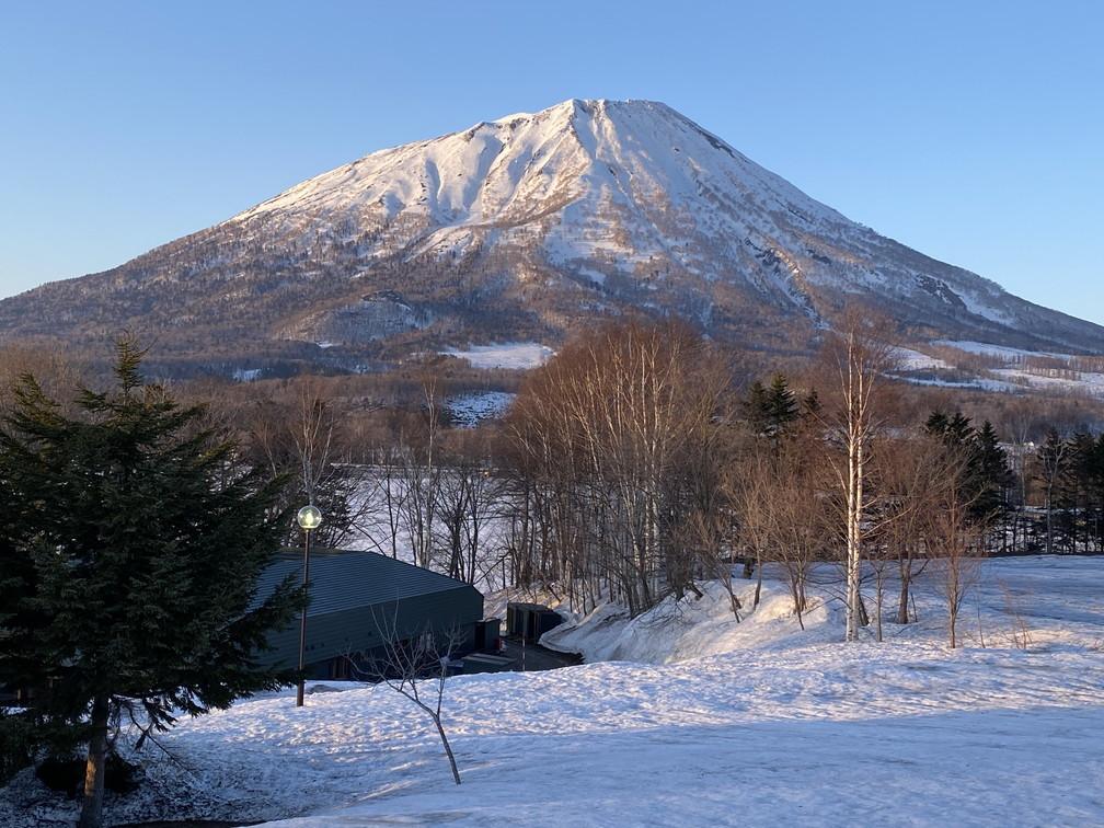 """2021年3月 『山スキーの大雪旭岳、ニセコ、羊蹄山』  March 2021 \""""Ski in Mt Taisetsu, Mt Niseko & Mt Yotei\""""_c0219616_18081067.jpg"""
