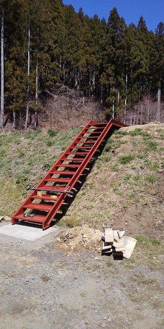 階段の取り付け工事_a0118461_11105486.jpg