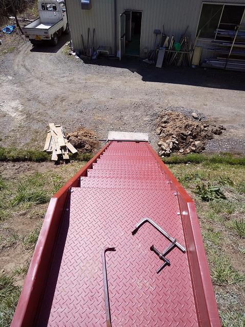 階段の取り付け工事_a0118461_11113132.jpg