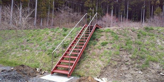 階段の取り付け工事_a0118461_11123560.jpg