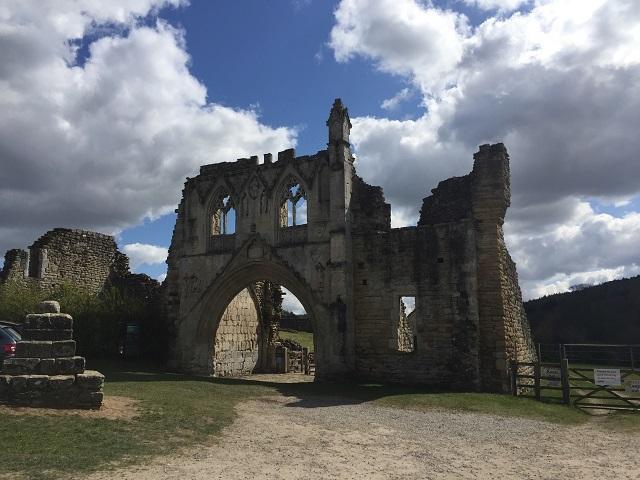 おとなの遠足、修道院の遺跡へ!_a0123372_23132324.jpg