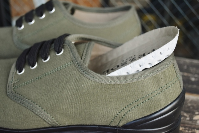 PEZZOL ITALY Military CANVAS SHOES_d0152280_19015647.jpg