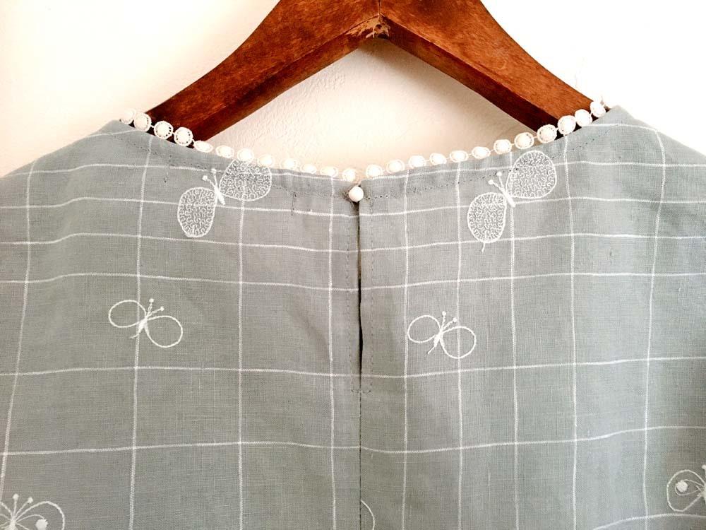 ミナペルホネン「choucho」チェックの衿ぐりレースブラウス_a0232169_13500245.jpg