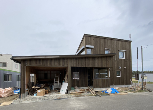 Q1住宅L3T3大潟村2:東側外観_e0054299_16532093.jpg