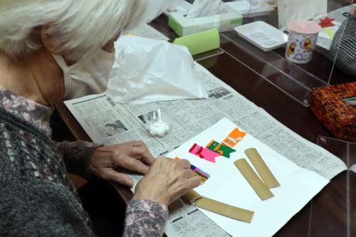 季節レク ~ 大空およぐ鯉のぼり色紙作品➀ ~_e0222340_17534542.jpg