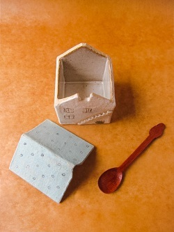 めいポタ 鈴木明美さんの大人気シリーズ「白い壁」「水玉」シリーズが入荷しました!!! part1_b0225561_15401112.jpg
