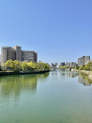 川の街広島、川辺をお散歩(*´╰╯`๓)♬_a0213806_17371763.jpeg