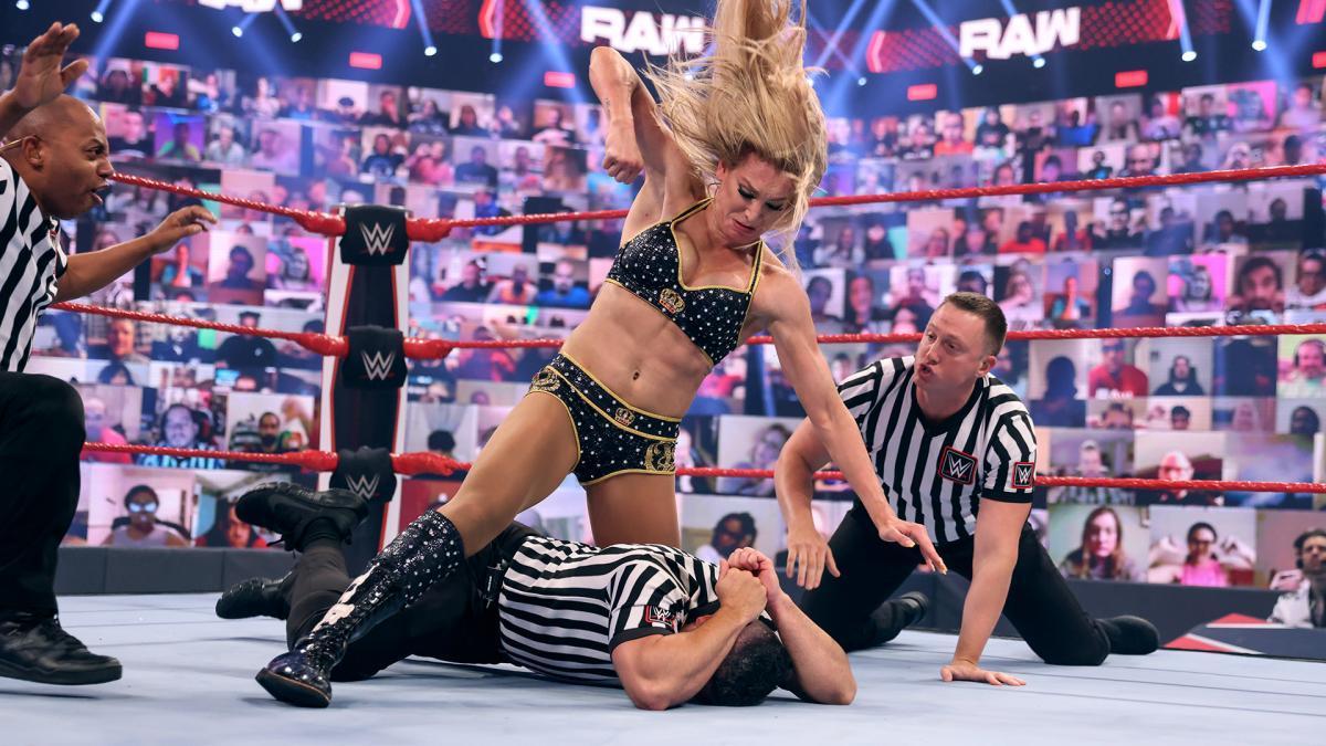 シャーロット・フレアーに関する2つの最新情報 - WWE Live Headlines